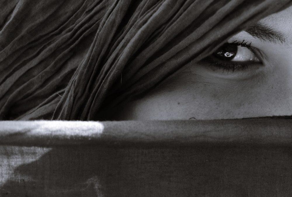 Arkham – III – De la oscuridad en Estambul. Por ser mujer, no la creerán.